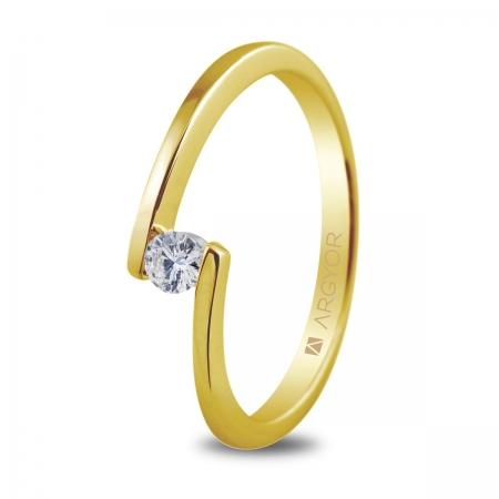 Sortija en oro amarillo de 18kt con un diamante de 3mm en talla brillante de 0.10ct