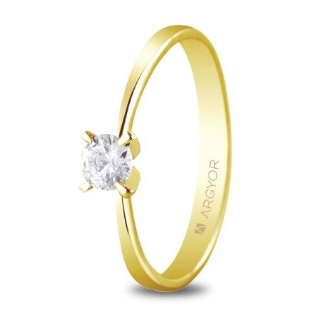 Sortija en oro amarillo de 18kt con un diamante de 4mm en talla brillante de 0.25ct