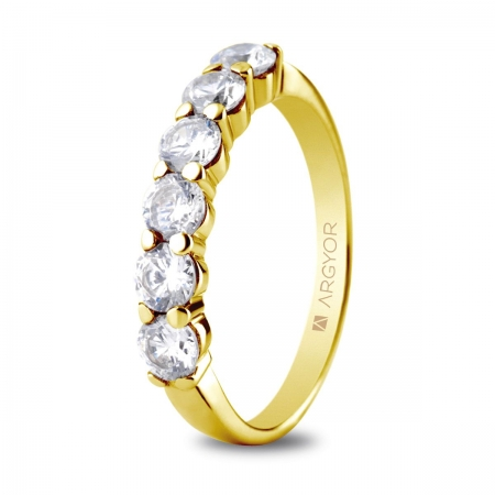 Sortija en oro amarillo de 18kt con seis diamantes de 3.5mm en talla brillante total 1.00ct