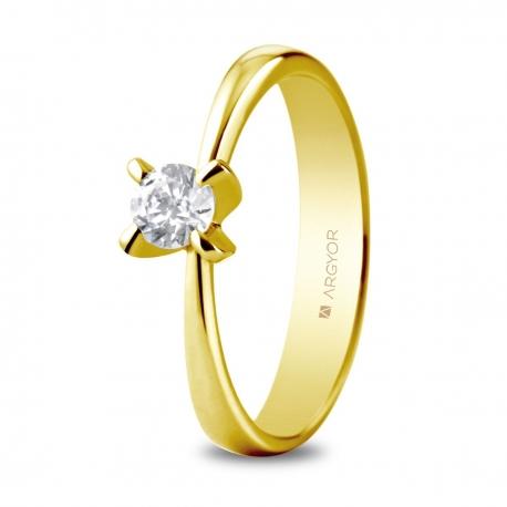 Sortija en oro amarillo de 18kt con un diamante de 4.4mm en talla brillante de 0.34ct