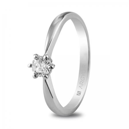 Sortija en oro blanco de 18kt con un diamante de 4.00mm en talla brillante de 0.25ct