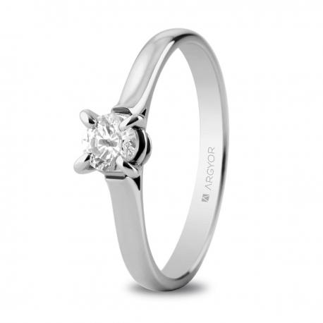 Sortija en oro blanco de 18kt con un diamante 4.4mm en talla brillante de 0.34ct